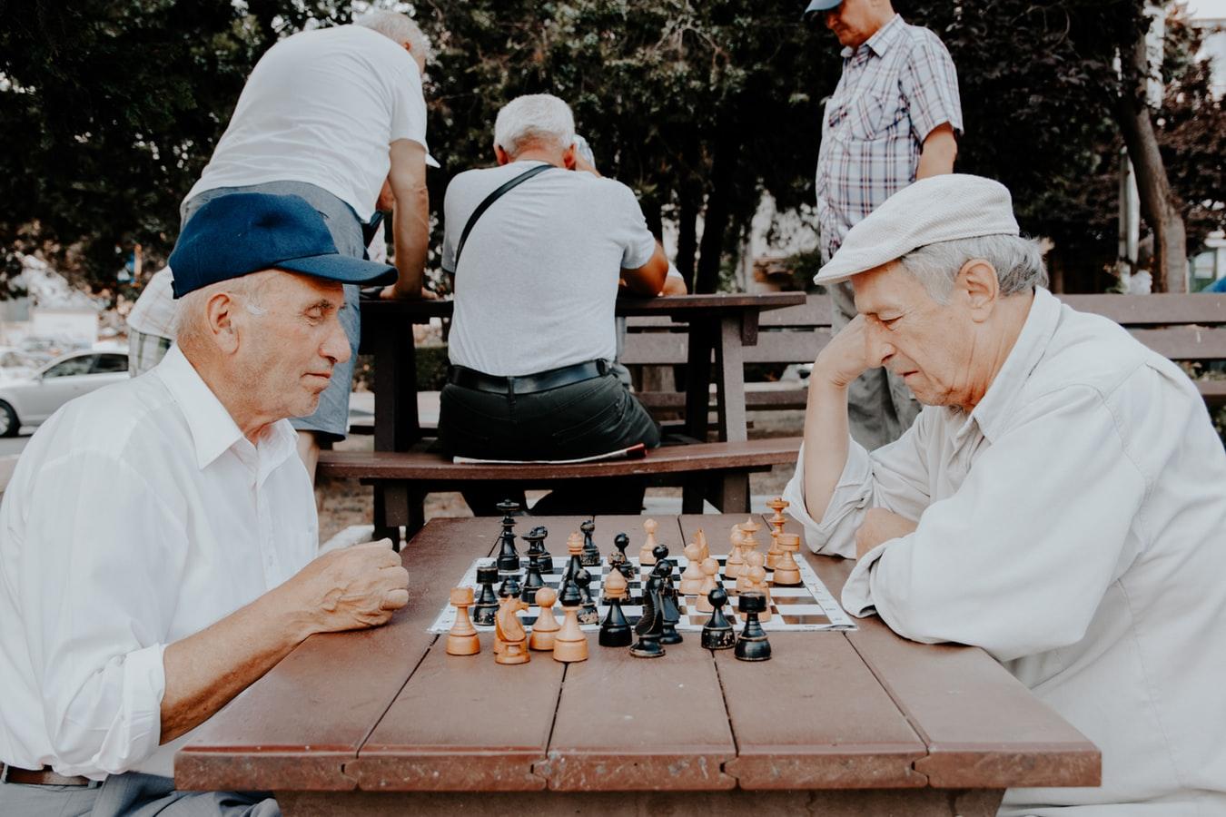 Idées d'activités intérieures pour les seniors