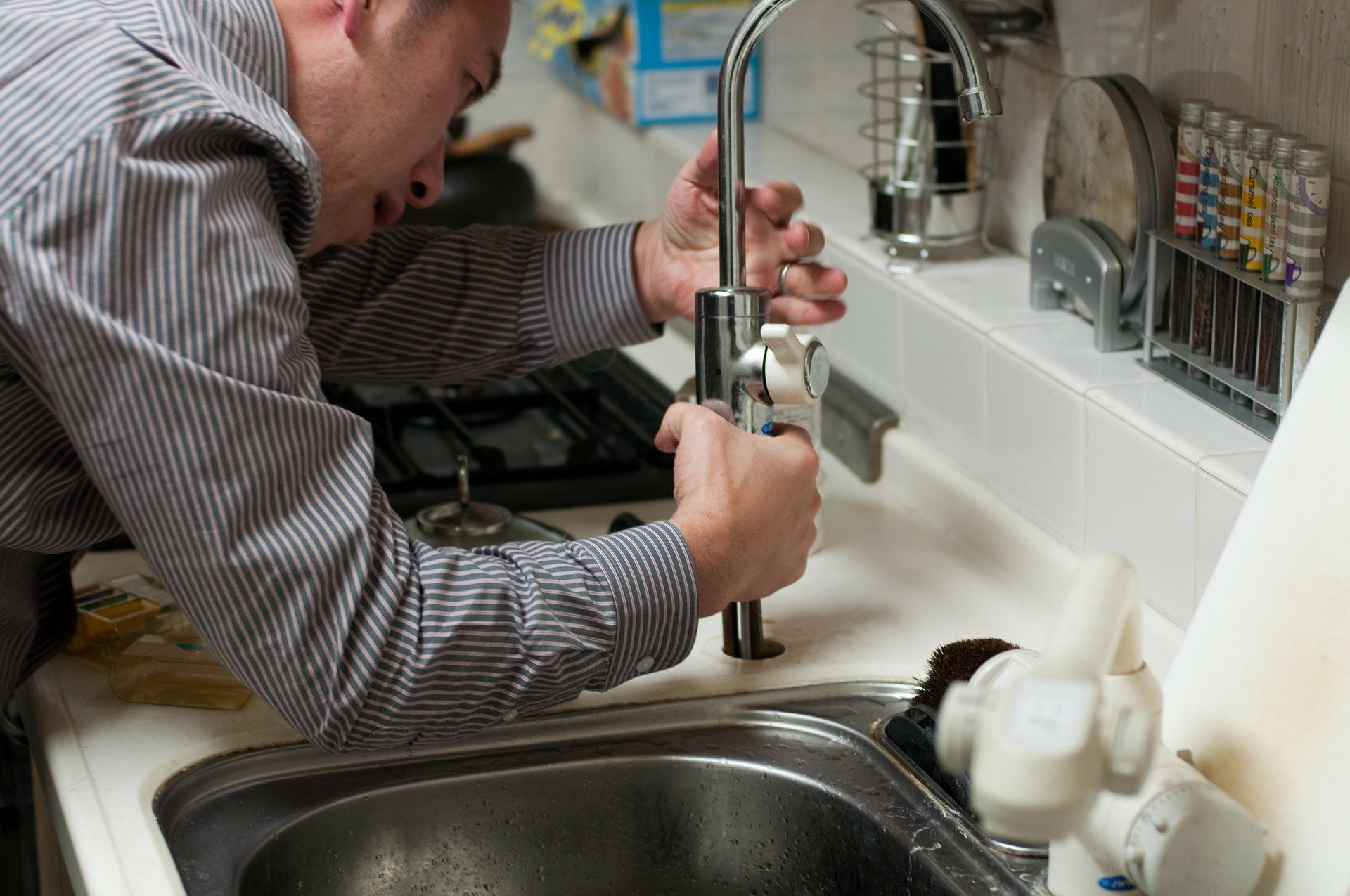 Comment réparer un dégât des eaux ?